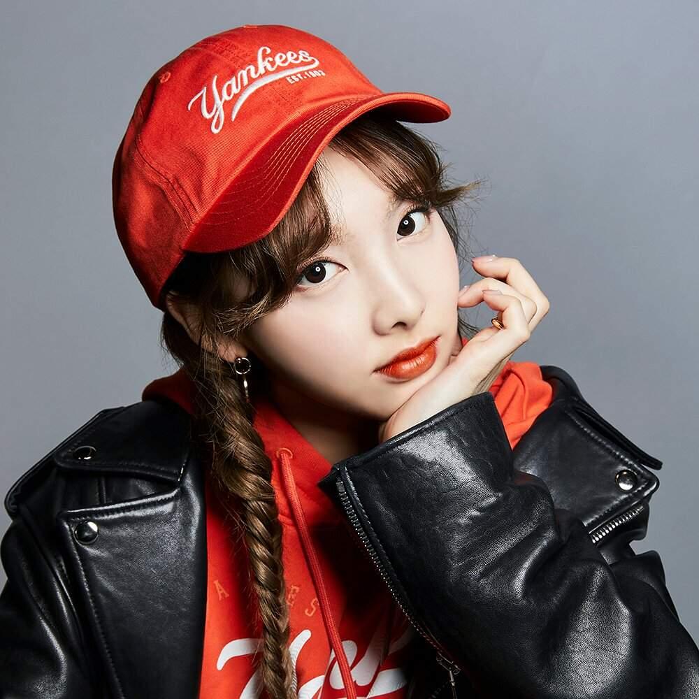 Neko Cute Wallpaper Twice X Mlb Instagram Update Twice 트와이스 ㅤ Amino