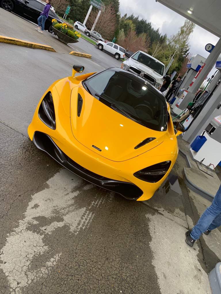 Mclaren P1 Gas Mileage : mclaren, mileage, Mclaren, Middle, Nowhere, Station,, Miles, Pulled, Garage, Amino