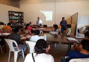 Capacitación sobre elaboración de planes de negocios a emprendedores de Pailón