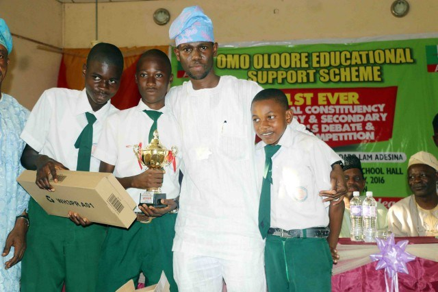 Hon Adedapo Lam Adesina with students of Lagelu Grammar School...during an empowerment programme for students...