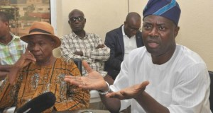 Engr Seyi Makinde addressing the news men during the media chat…with his is Chief Bayo Lawal and others…