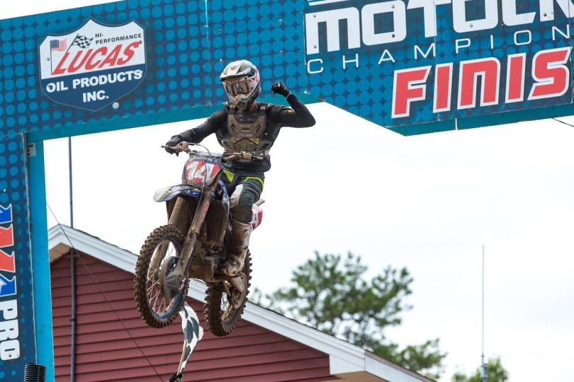 Dylan Ferrandis captured his third consecutive win (1-3) and extended his championship lead.