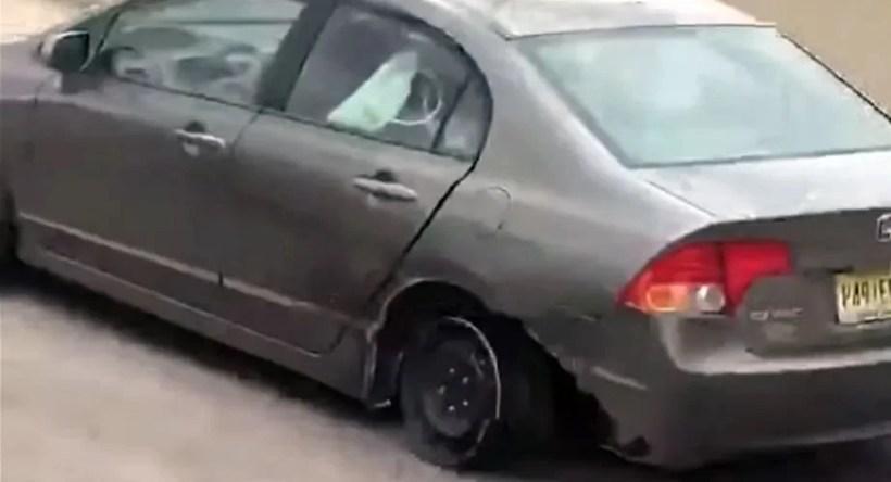 Honda-Civic-bez-pneumatiky