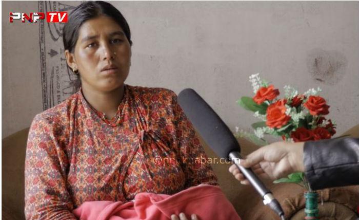 श्रीमान हस्पिटलको शैय्यामा छटपटाउदै, श्रीमती २१ दिने शिशु च्यापेर आश्रममा [हेर्नुहोस् भिडियो]