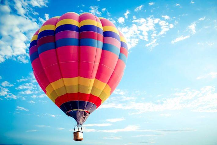 पोखरामा हट एयर बेलुनको व्यवसायिक उडान सुरु