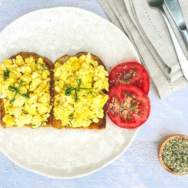 Quick and Easy Scrambled Eggs