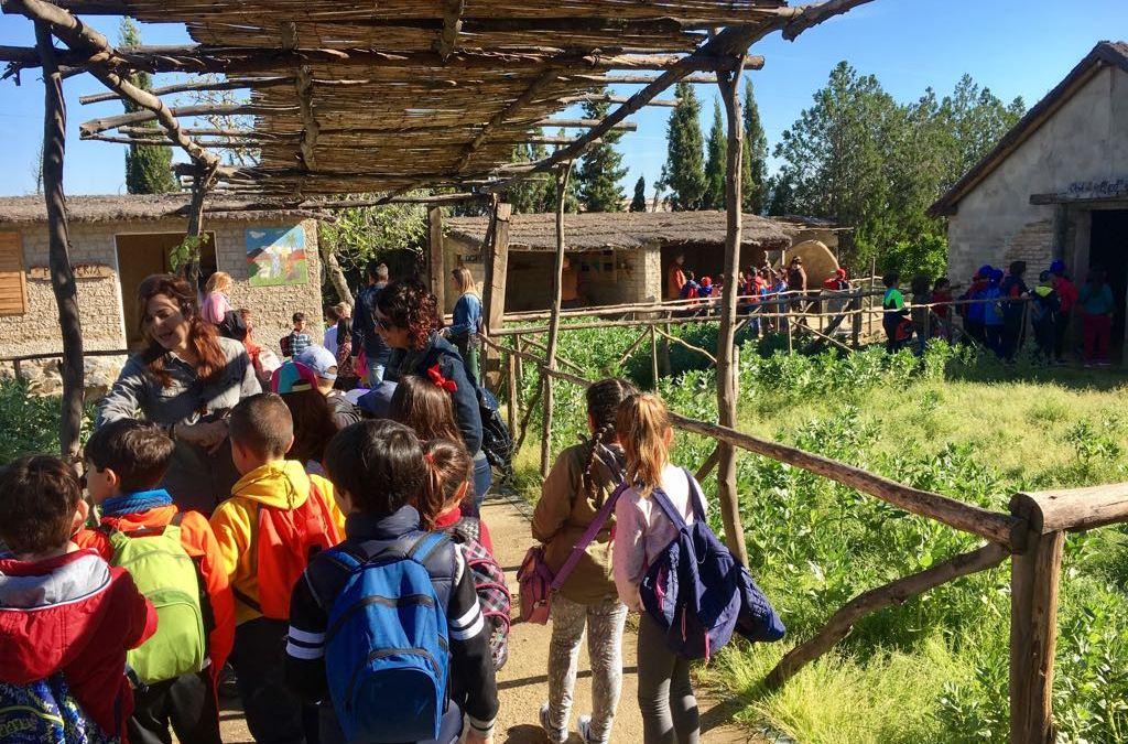 El  CEIP  Maestro Juan Díaz Hachero lleva el  poblado tartésico  a Cartaya