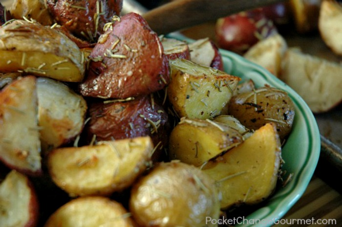 Garlic Rosemary Roasted Potatoes | Recipe on PocketChangeGourmet.com