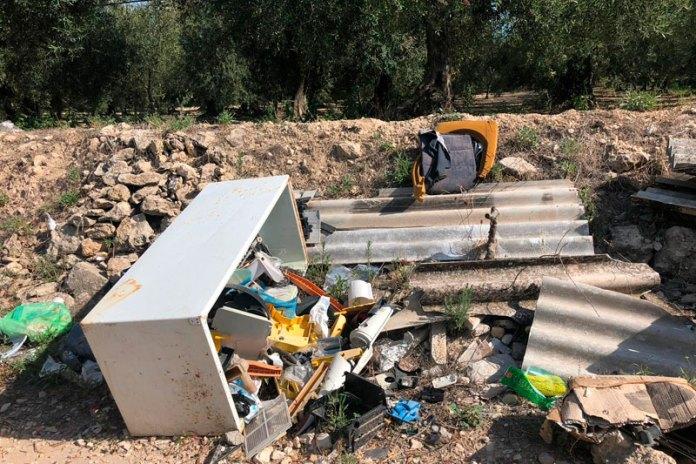 abbandono-rifiuti