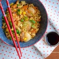 Smażony ryż z imbirem i krewetkami