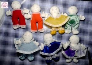 Радужные наряды куклам.