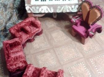 Кукольная мебель для композиции «Музыкальный салон 18 века».