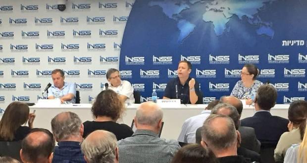 איראן - הזירה הפנימית, המרכז למחקרי ביטחון לאומי