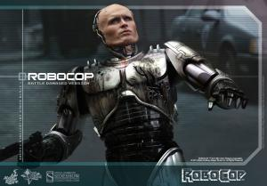902285-robocop-battle-damaged-version-alex-murphy-006