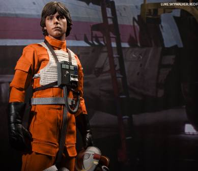2132-luke-skywalker-red-five-x-wing-pilot-004