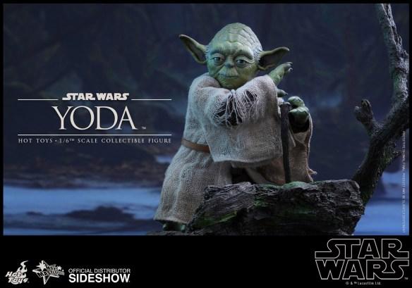 star-wars-yoda-sixth-scale-hot-toys-902738-05