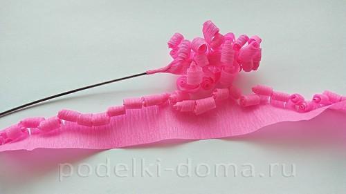 цветы гиацинты из гофробумаги 06
