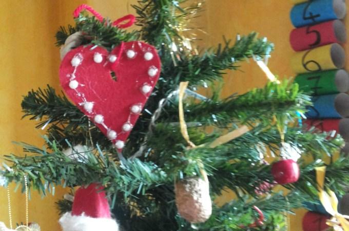 Addobbi natalizi facili e fai da te con il feltro