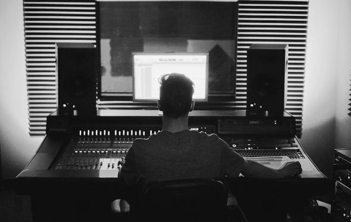 Podcast Produktion und Nachbearbeitung sind wesentliche Elemente für einen erfolgreichen Podcast