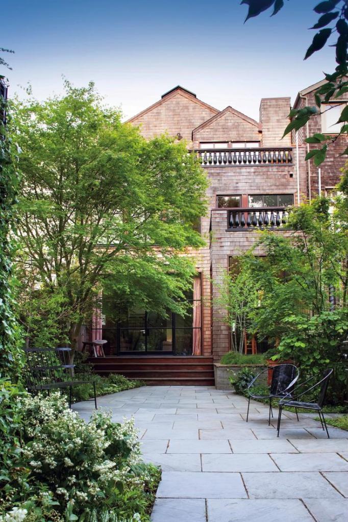 proj.: Scott Lewis; miejski ogród po metamorfozie