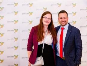 Kyra Müller a Arthur William Kastler, kteří program Autism at Work v ČR rozvíjejí a galavečerem provázeli