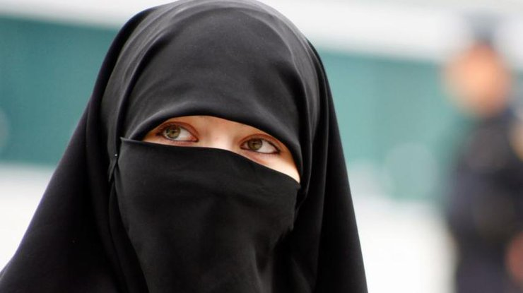 новобрачная ночь арабских женщин меня щёчку