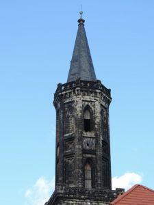 Czarna wieża w Lwówku Śląskim