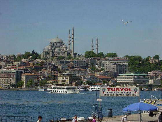 640px-Istanbul_-_Süleymaniye_camii_dal_Corno_d'oro_-_Foto_G._Dall'Orto_28-5-2006