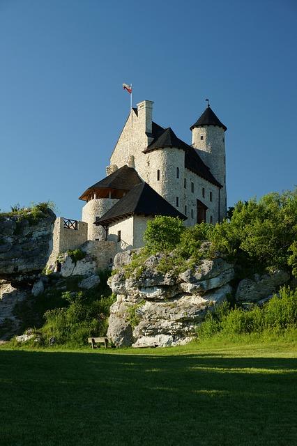 bobolice-castle-2115484_640