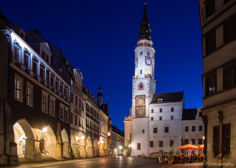 atrakcje w Gorlitz dla dzieci; co zobaczyć w Gorlitz? Gorlitz atrakcje, kamienica na rynku, rynek Gorlitz, ratusz nocą