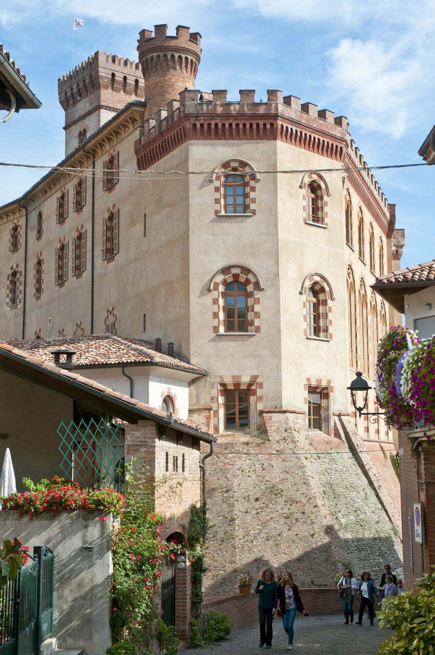 Zamek w Barolo, w którym znajduje się Muzeum Wina
