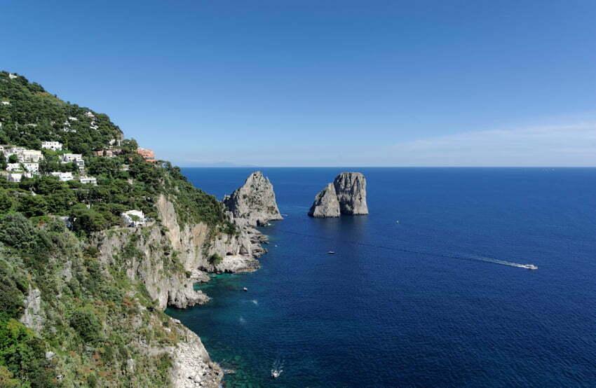 I Faraglioni di Capri by Berthold Werner [CC BY-SA 3.0 (httpcreativecommons.orglicensesby-sa3