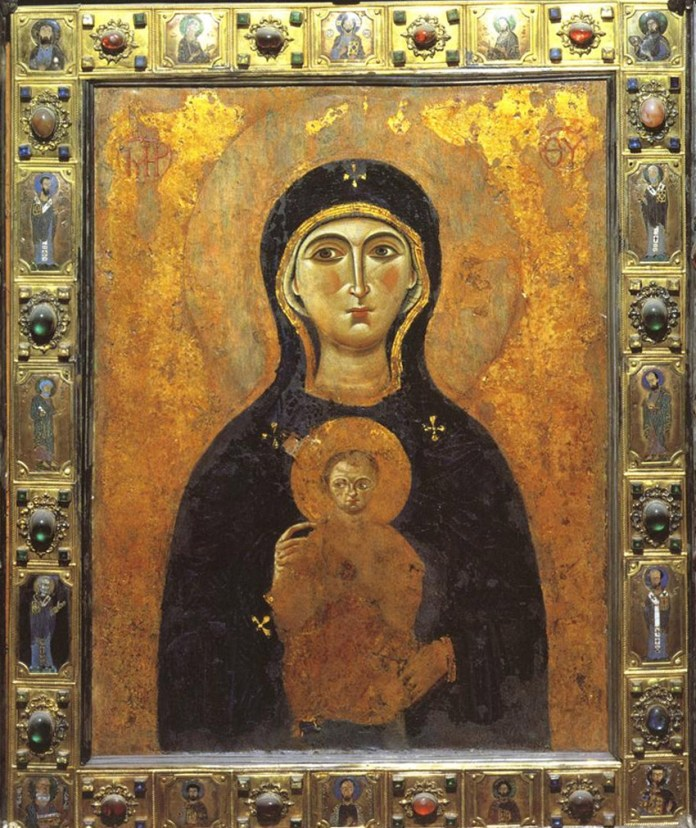 Madonna Nicopeia San Marco by Asia [CC BY-SA 4.0 (https://creativecommons.org/licenses/by-sa/4.0)], from Wikimedia Commons