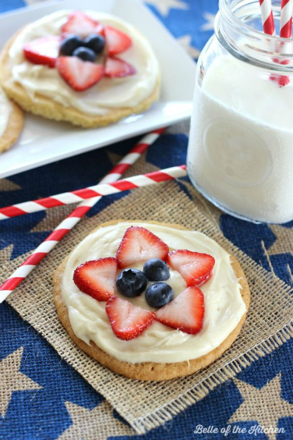 Mini Fruit Pizzas from Belle of The Kitchen