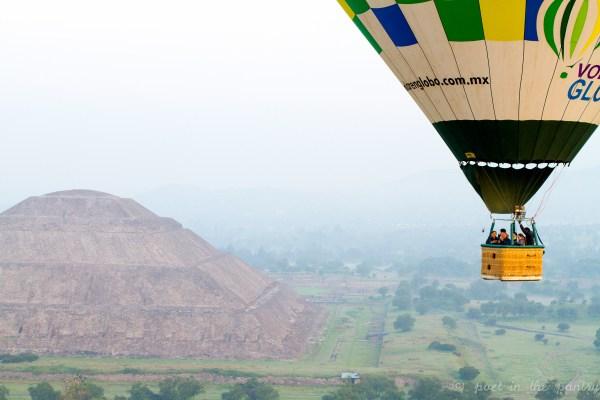 Hot air balloon ride over the pyramids at Teotihuacan, Mexico