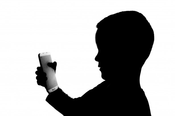 silhouette-boy-with-telephone