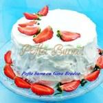 Tort Adriana cu mascarpone si fructe