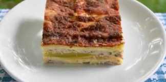 Musaca de dovlecei cu carne de pui si cascaval, reteta dietetica