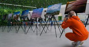 В аэропорту «Симферополь» презентовали фотовыставку в честь юбилейного года полета в космос Юрия Гагарина