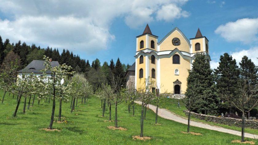 Kostel Nanebevzetí Panny Marie, Neratov, Orlické hory