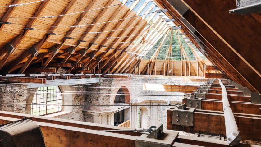 Prosklená střecha kostela, Neratov