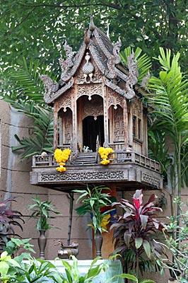 Wooden San Jao Thi