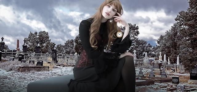 woman-cemetery