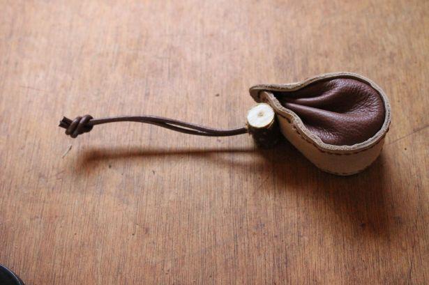 Patron modèle de bourse en forme de fer à cheval, maroquinerie et travail du cuir