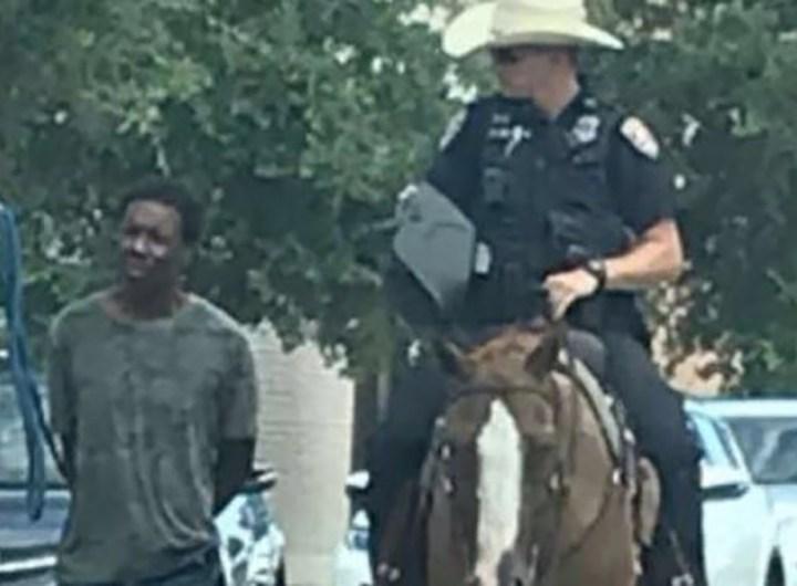 tenu-par-une-corde-par-des-policiers-un-afro-americain-reclame-un-million-de-dollars
