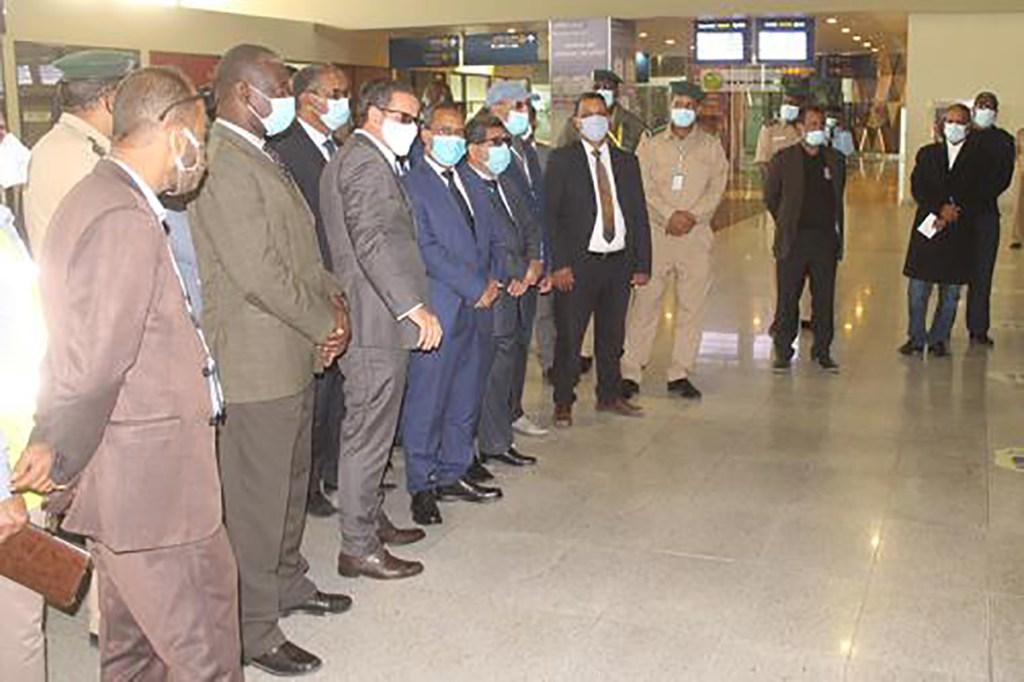 inspection-de-l-aeroport-international-de-nouakchott-par-le-ministre-des-transports-mauritanie