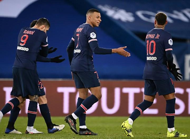 psg écrase Montpellier en prend seul la tête du classement