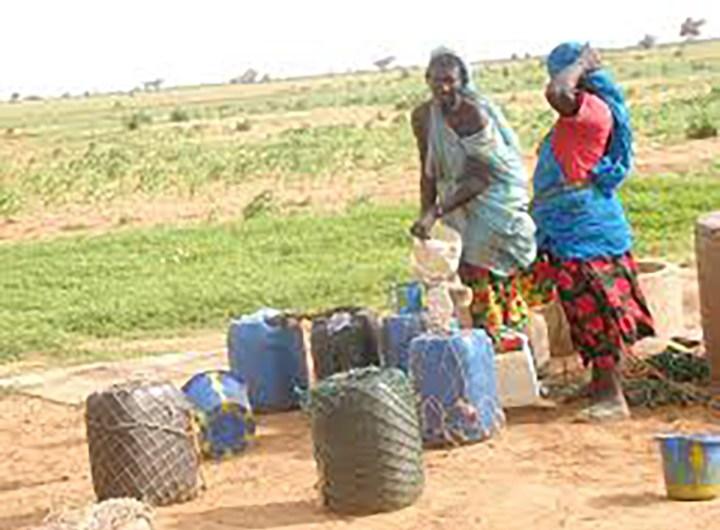 Tagant réalisation de réseau d'adduction d'eau dans la moughataa de Tichitt