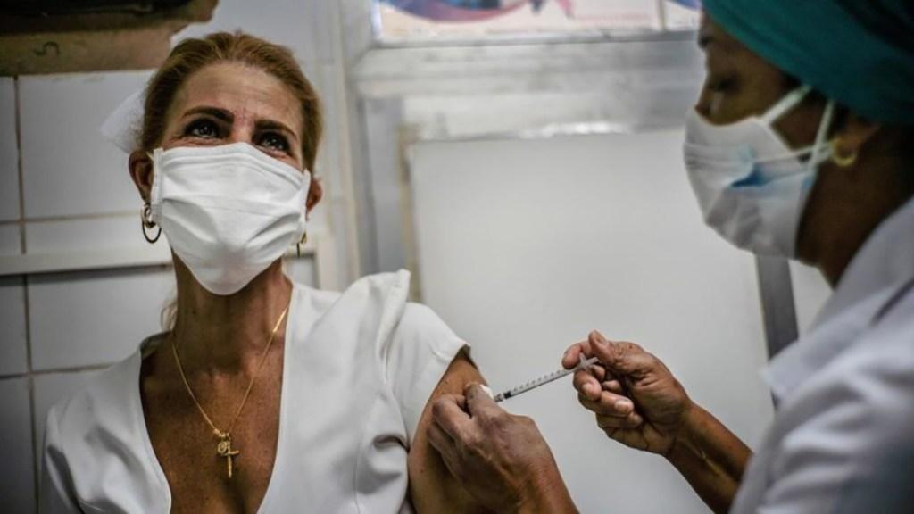 Covid-19: le vaccin ne suffira pas à éradiquer le coronavirus