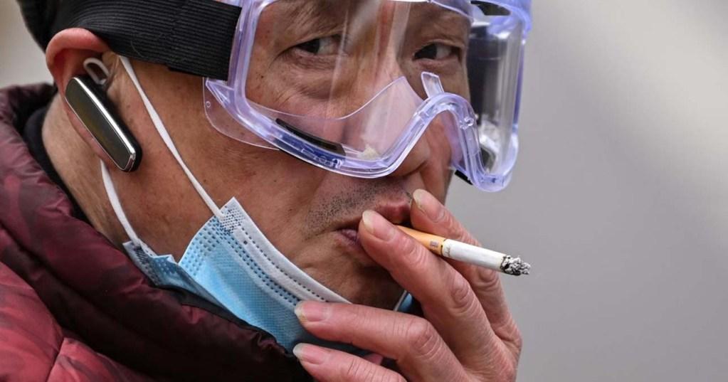 Nicotine et Covid-19: l'étude dépubliée à cause de ses liens avec l'industrie du tabac